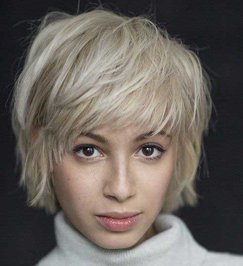 Short haircut with pony-9