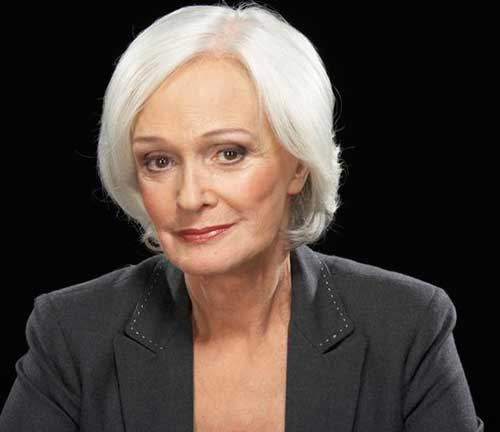 Short haircuts for older women-35