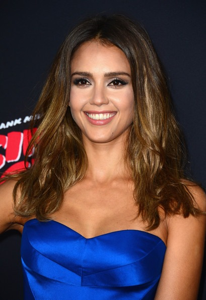 Jessica Alba middle parted long waves
