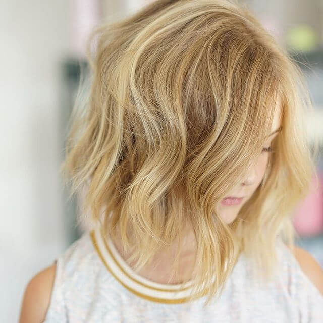 Simple short hairstyle for fine hair