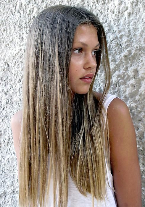Center-separated Straight Hairstyle