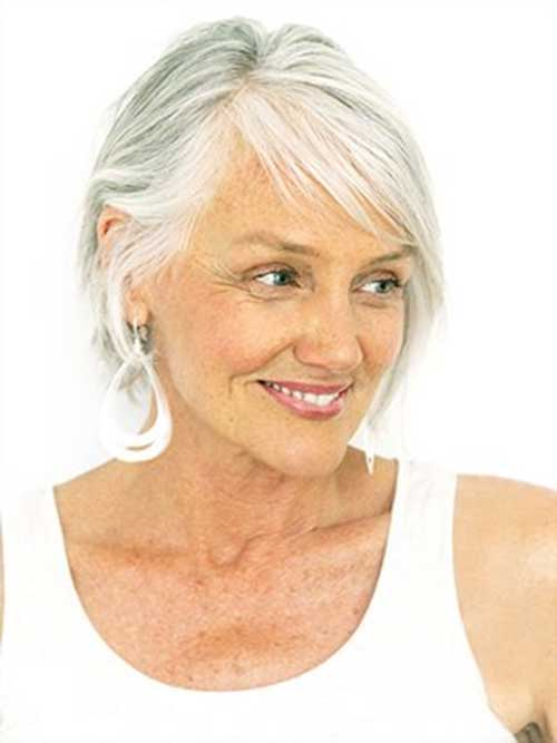 Short haircuts for older women-30