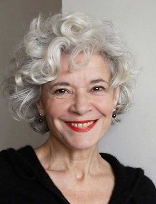 Short haircuts for older women-19