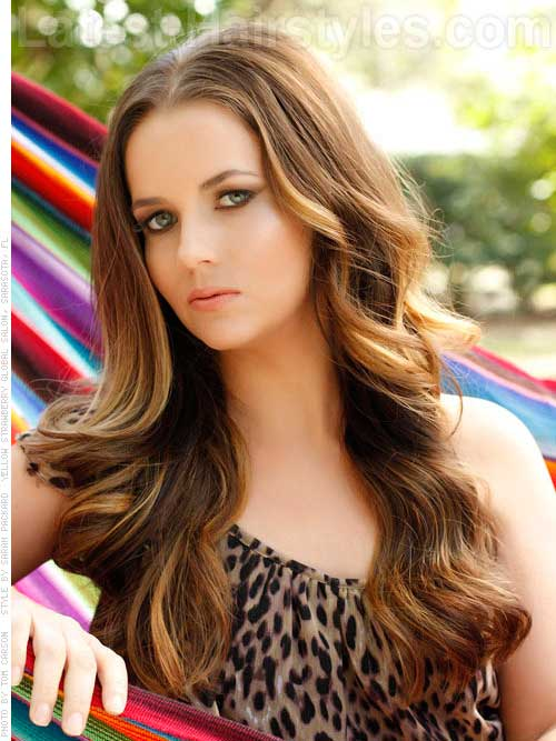Wavy Hairstyles for Women-20