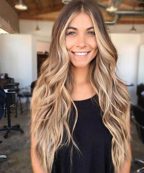 Impeccable fading blonde look