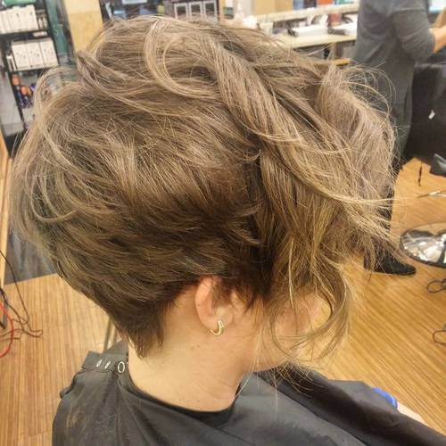 Short haircuts can women with naturally wavy texture