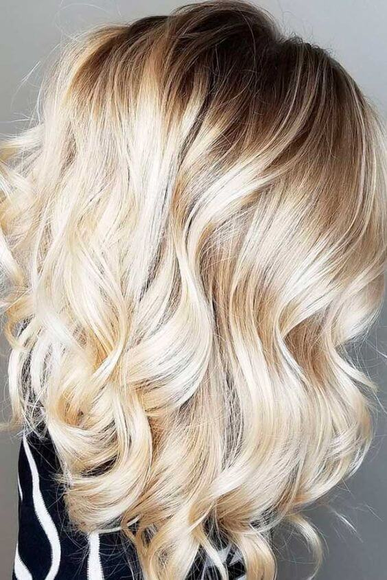Curly blonde perfect for date night