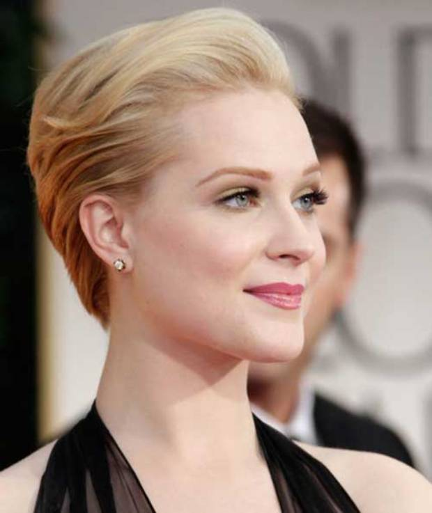 Celebrity short hairstyle for the summer