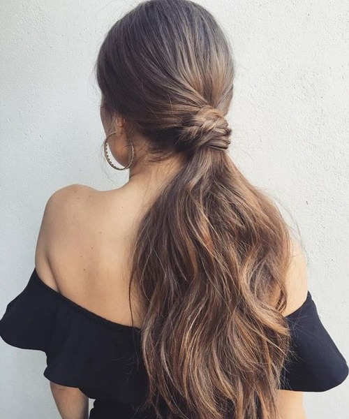 11+ Fascinating long hairstyles to get a trendy look this year