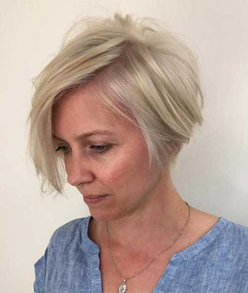 Short bob hairstyle for women