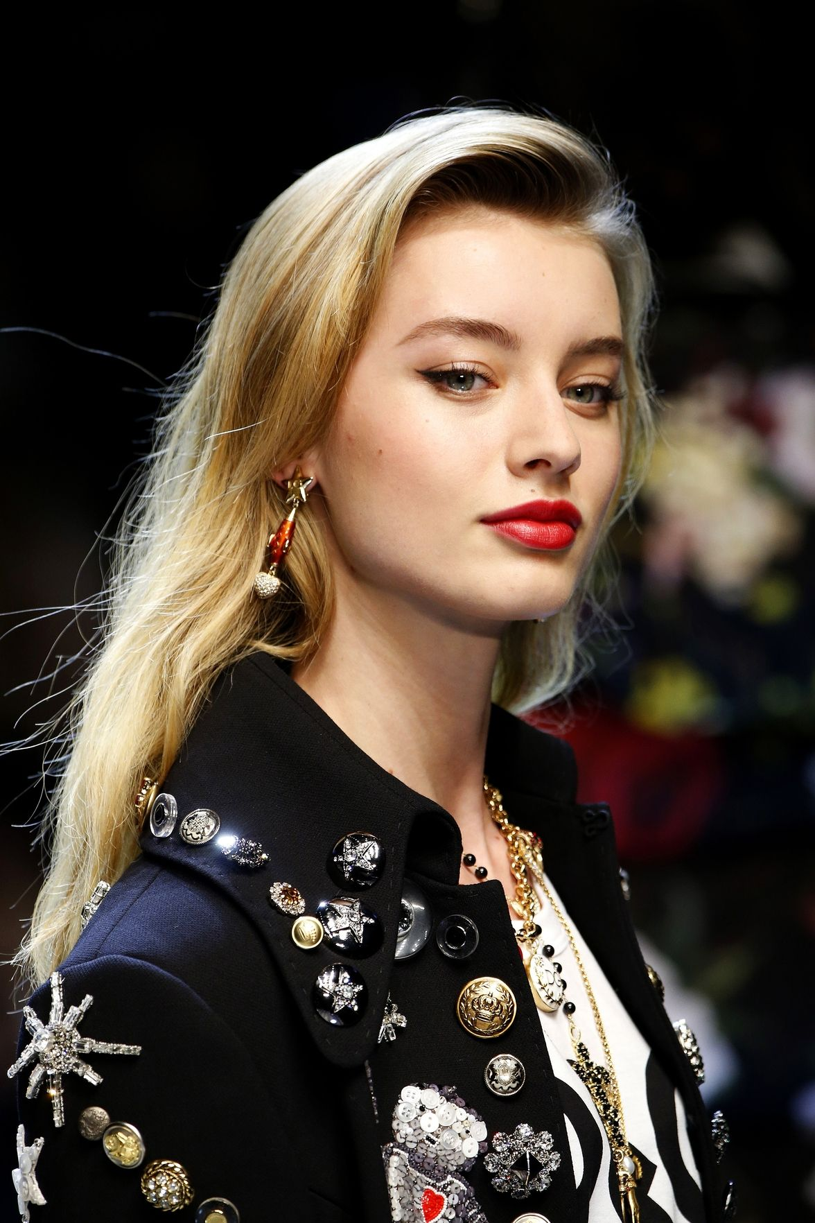 Dolce Gabbana easy side sweeps hairstyles 2018 spring