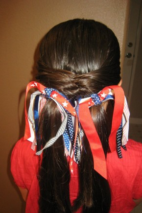 Braids and Stripes for Kids Hairstyles 2015 [19659014] If your daughter has long hair, try strengthening her curls by putting on braids or fish tails and leaving the ends loose.  Again, tapes will come to the point.   </ P></p><div class='code-block code-block-1' style='margin: 8px auto; text-align: center; display: block; clear: both;'> <!--ads/280.txt--></div>  <h3> Cute Kids Hairstyles 2015 </ h3></p> <p> <img class =
