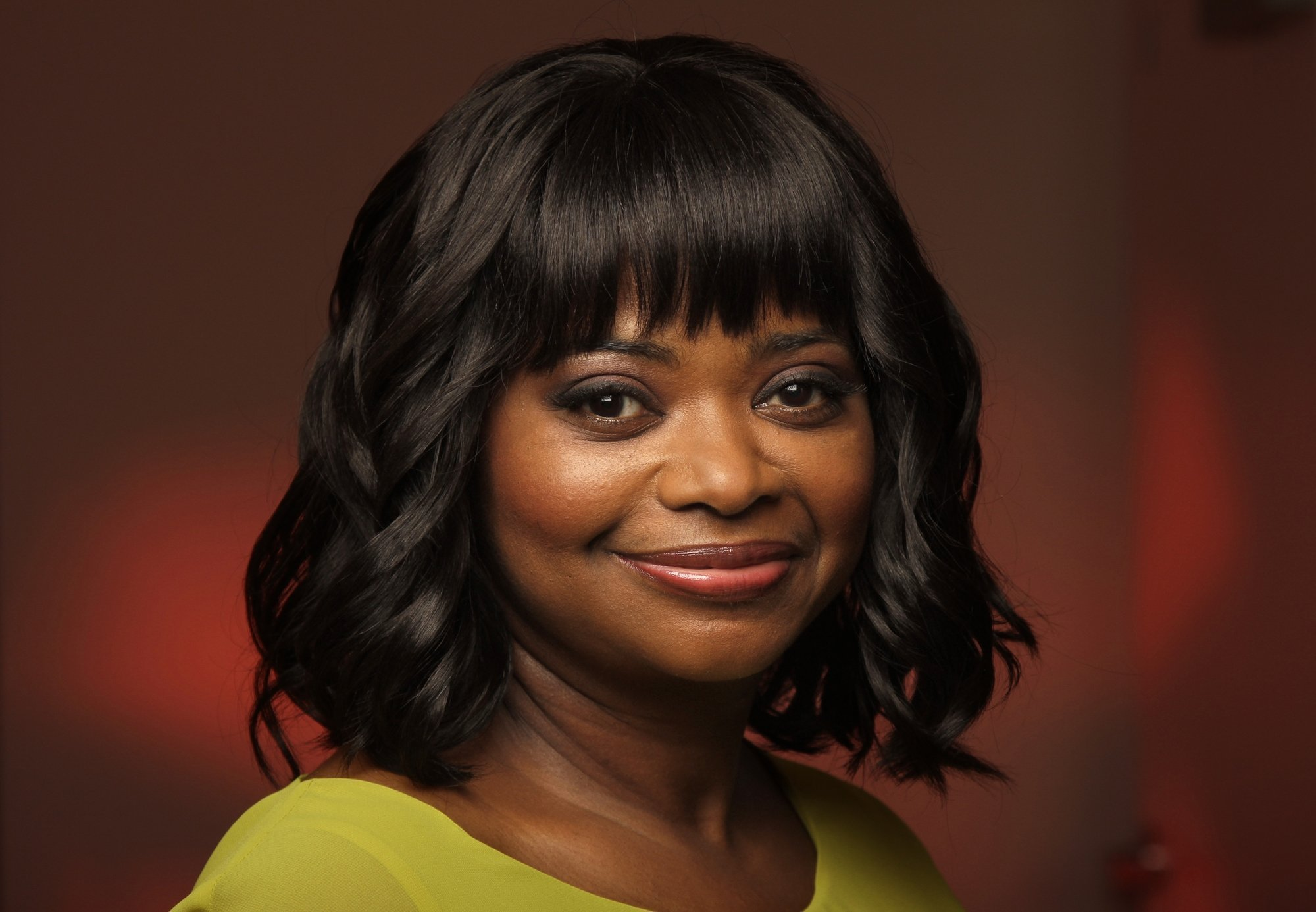Octavia Spencer Black Women Bob Hairstyles 2017 [19659018] The old good wave bob is back to delight us with fresh bobsleigh hairstyles.  I would like to turn your eyes back to the Oscar-winning Taraji.  The Hollywood luxury wave on her bob, the light highlights, in combination with discreet décolleté of her fine black velvet dress, make the look look really chic.   </ P></p> <h3> Black Women Bob Cuts 2017 – Smooth and Straight </ h3></p> <p> <img class =