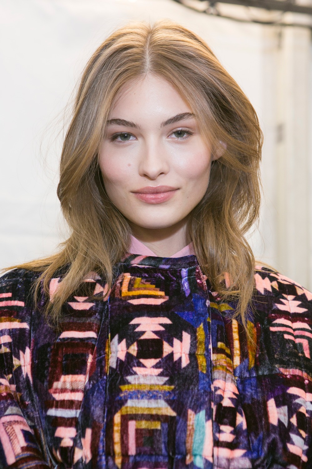 ISABEL MARANT middle part hairstyles 2017 autumn
