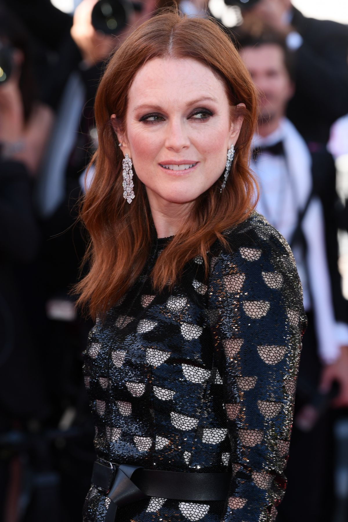 Julianne Moore deep red hair colors for fall winter