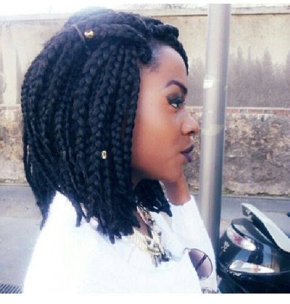 Short box braids with pearls