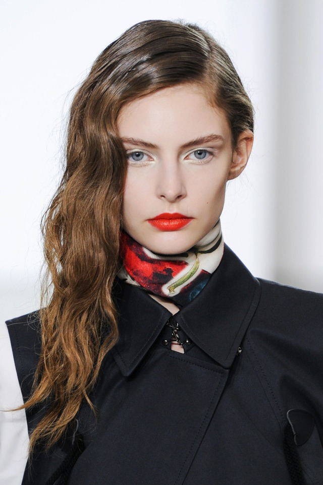 Catwalk wet hairstyles for the summer
