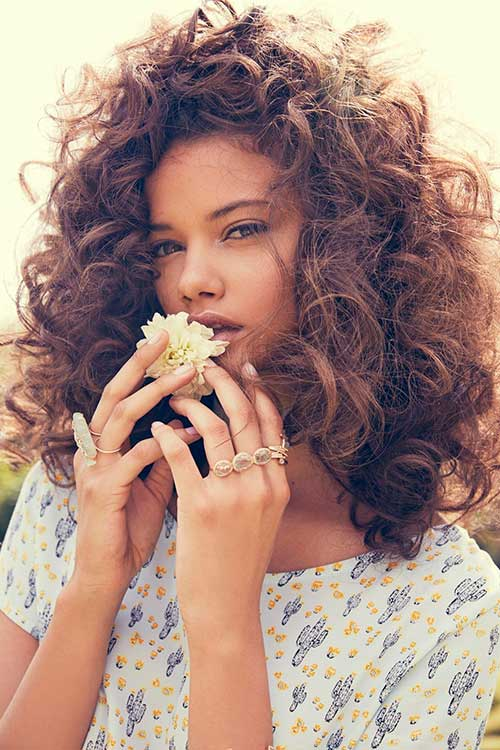 Curly hairstyles for women-27