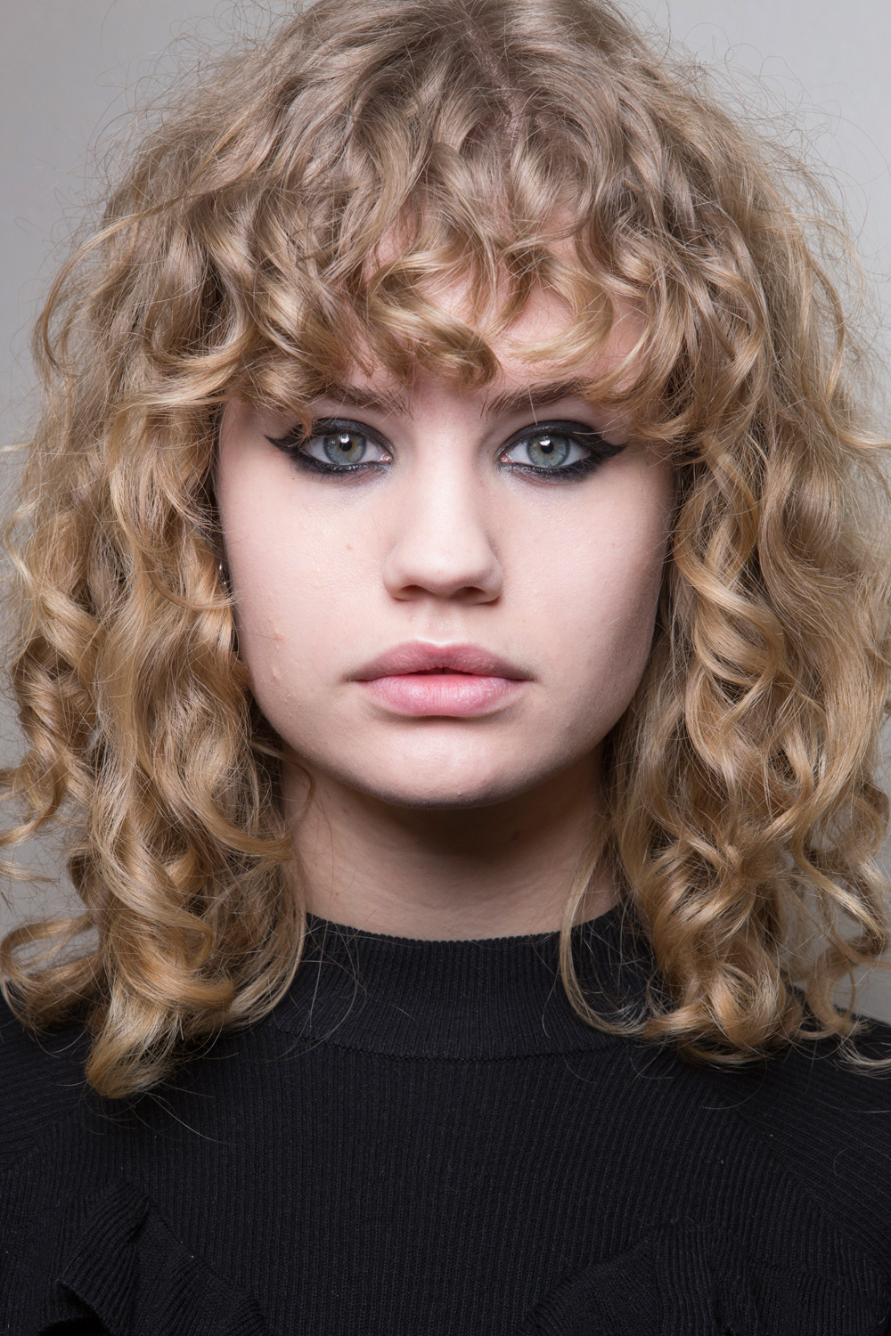 CHLOÉ Casual Curly Hairstyles 2017 Autumn