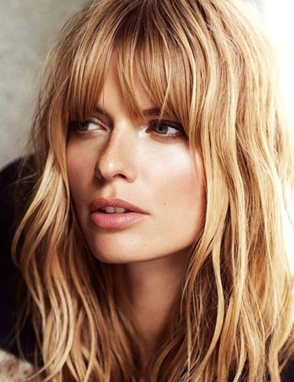 Layered hairstyle with short bangs