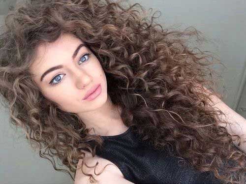 Curly hairstyles for women-15