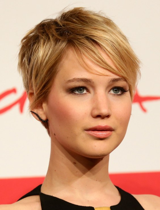 Jennifer Lawrence has perfect facial structure for the style
