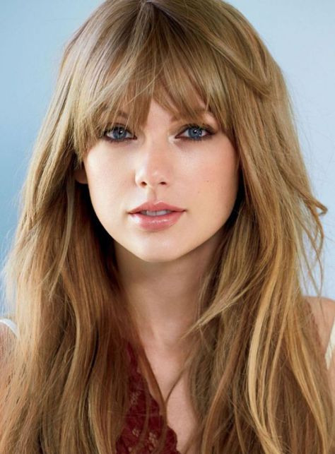 Taylor Swift Blond hair with bangs