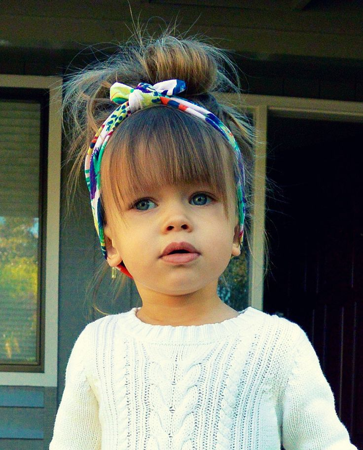 New Year's party hairstyles for children with headband