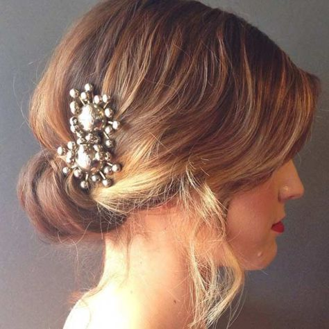 Wedding hairstyle for short hair with accessories
