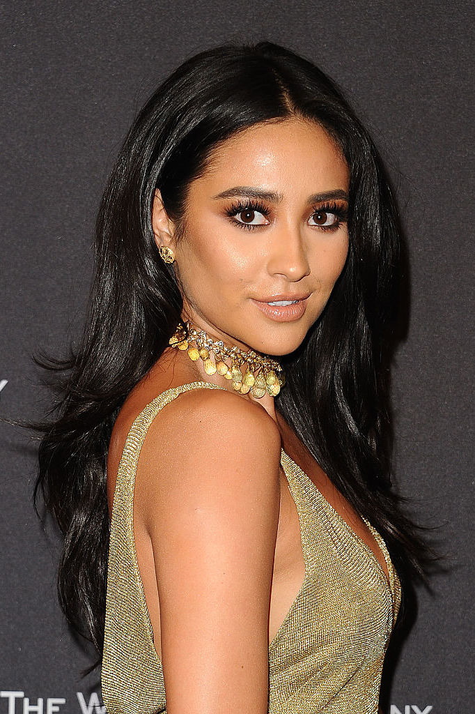 Shay Mitchell jet black hair colors 2017 autumn