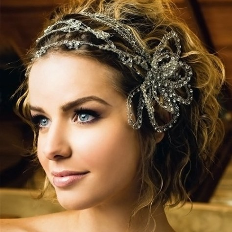 Wedding hairstyle for short wavy hair with shiny ornament