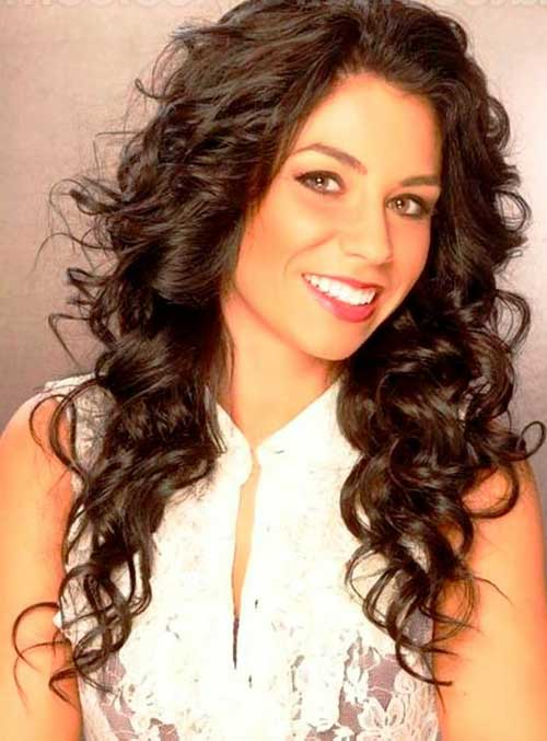 Long Curly Hairstyles for Round Faces-7