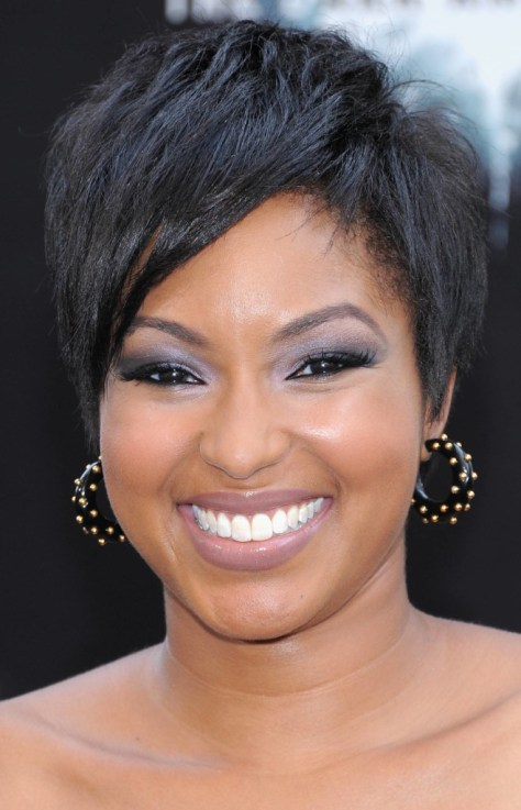 Short hairstyle for a round face