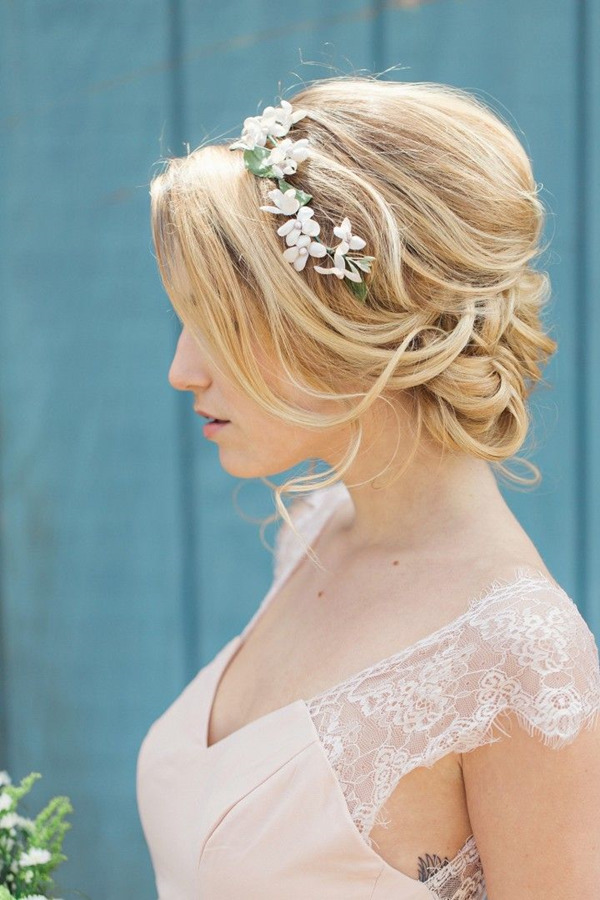 classic wedding hairstyles-with Flower Bridal Headbands