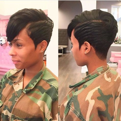Short hairstyle with side bales