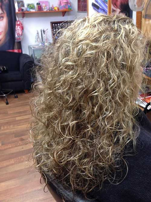 Trendy Loose Perm hairstyles