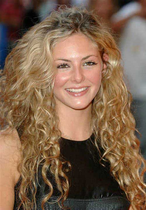 Long Curly Hairstyles for Round Faces-13