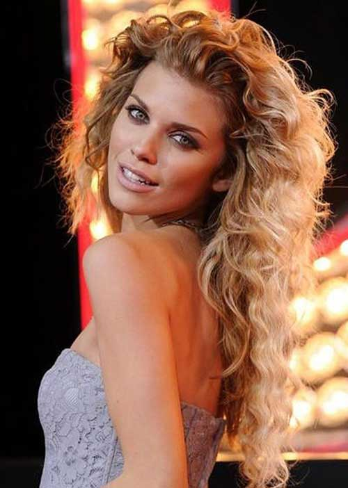 Layered Curly hairstyles for girls
