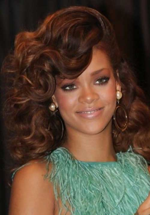 Long Curly Hairstyles for Round Faces-16