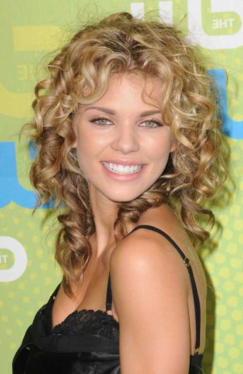 Long curly hairstyles for round faces-8