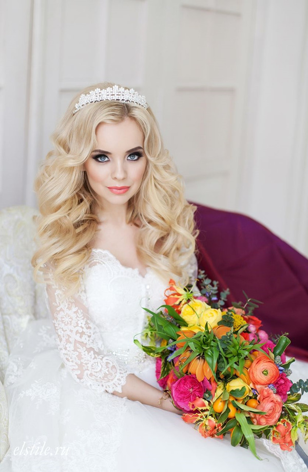 Crown bride headdress for Wedding Hairstyles