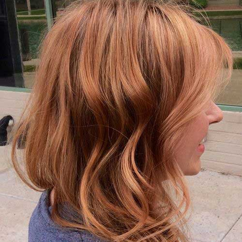 Strawberry highlighted hairstyle