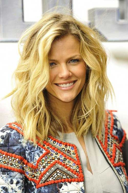 Long blond wavy hairstyles