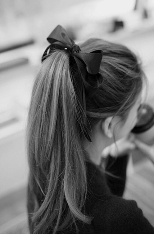 latest ponytail hairstyles for long hair (17)