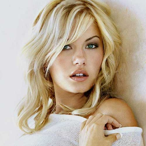 Elisha Cuthbert Hairstyles with Layered Pony