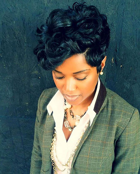 Short Hairstyles for Black Woman - 8