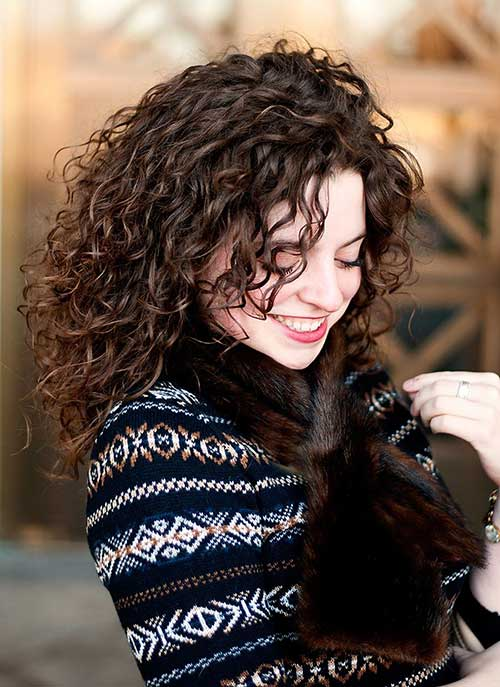 Best Curly Hairstyle Women Pictures