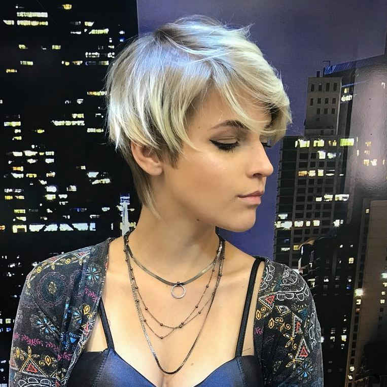 Stylish Pixie Hairstyle, 2018 Best Short Hair Styles for Women [19659024] Credit </ figcaption> </ figure></p><div class='code-block code-block-1' style='margin: 8px auto; text-align: center; display: block; clear: both;'> <!--ads/280.txt--></div>  <p> This young model is definitely ready for her 'entry' to a chic event!  And she has matched her trendy boho fashion style with a cute and quirky pixie.  The asymmetry remains soft and supple and shows the silky texture of fine hair <strong> </ strong>.  The highlighted in blond half-pin curls give the shorter side certainly a trendy texture.  Notice how the tips draw attention to the eyes and cheekbones, which are also framed by the softly falling pony.  The neck is elongated and fitted with a blonde to reflect the top-neutral blonde Balayage-Ombré.  </ P></p> <h2> Chic, medium ash blonde short hairstyle with metallic finish </ h2></p> <figure id =