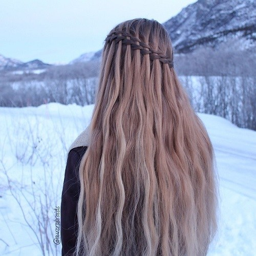 20 Ultra Pretty Waterfall Hairstyles